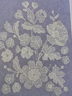 Tambour Embroidery, Floral Embroidery, Embroidery Stitches, Drawn Thread, Thread Art, Bobbin Lacemaking, Lace Art, Creative Embroidery, Stencil Patterns