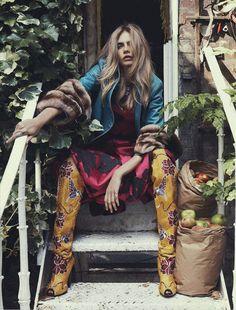 Mix Colors & pattern | Cara Delevingne in Vogue Australia October 2013 #fashion #editorial