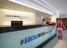 Twitter Hotel - Sol Wave House Hotel - Cosmopolitan