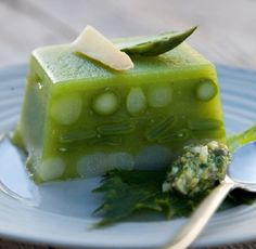 aspic di asparagi in salsa verde/aspic of asparagus with green sauce