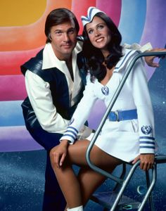 Gil Gerard and Erin Gray Buck Rogers Erin Gray, Frank Miller, Sci Fi Tv Shows, Old Tv Shows, Gi Joe, Sci Fi Movies, Movie Tv, Movie Theater, Buck Rodgers