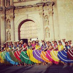 #Pochutla colorido y sabor en la #Guelaguetza #Oaxaca