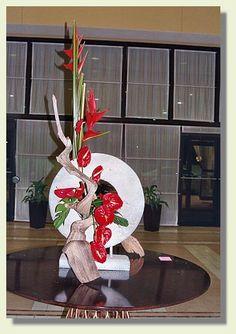 Claudia Bates Creative Flower Arrangements, Floral Arrangements, Asian Party, Altar Flowers, May Designs, Arte Floral, Flower Show, Tropical Flowers, Ikebana