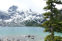– Begin zo vroeg mogelijk met de hike, hoe later op de dag hoe drukker het kan zijn. – Neem de tijd. Wij hebben bij het tweede en derde meer echt de tijd genomen om te genieten van het uitzicht en voor het Banff, Vancouver, Mount Everest, Bucket, Mountains, Nature, Travel, Naturaleza, Viajes