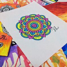 "355 Me gusta, 1 comentarios - -Paola's Art - (@plopezargueta) en Instagram: ""✨La música nos inspira , nos relaja , nos emociona ,nos hace pensar ,nos hace soñar y nos ayuda a…"""