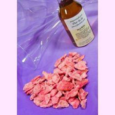 Dúo San Valentín: pétalos de rosa cristalizados + sirope de rosa. Para el brindis más romántico. PVP: 20,95 €