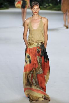 Akris | Spring 2013 Ready-to-Wear Collection | Sara Blomqvist Modeling | Style.com