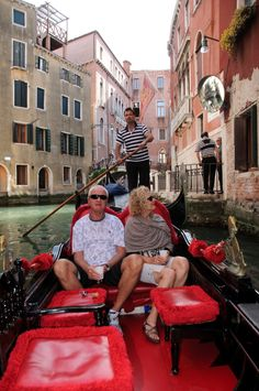 Romantic #gondola along the small #canals