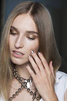Alexis Mabille  Trends für die Nägel 2015: neue Nagellacke und Stylings