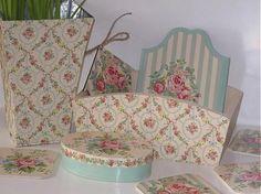dekorace-vank / dřevěný truhlík s růžičkami