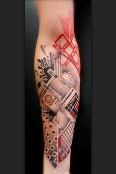 There's a part of me that wants to make heads or tails of this tattoo, but in the end it's a beautiful piece of art regardless of its meaning.