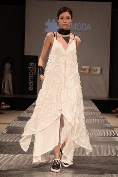 Argentinean Fashion brand SIENNA by designer Florencia Carli in Buenos Aires Fashion Week. Spring Summer fashion show Fashion Brand, Fashion Show, Spring Summer Fashion, Photo And Video, Creative, Life, Instagram, Dresses, Design