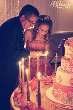 Velas para pastel de quinceañera, ideas. #bodascasablanca Salon de Eventos #Casa Blanca #MomentosMemorables
