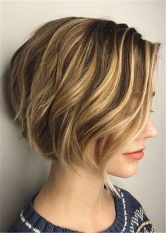 60 Best Short Bob Haircuts and Hairstyles for Women - Short Side-Parted Wavy Bob - Bob Haircut For Fine Hair, Haircuts For Fine Hair, Short Bob Haircuts, Short Hairstyles For Women, Short Hair Cuts For Women Bob, Funky Hairstyles, Short Haircut, Formal Hairstyles, Layered Haircuts