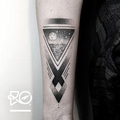 By RO. Robert Pavez • Starry Sky • Lediga tider finns i augusti. Vid intresse, skicka ett mail till robert@roblackworks.com  • Studio Nice tattoo - Stockholm - Sweden 2016 #engraving #dotwork...