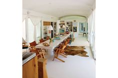 A house with nautical style originally designed for two, reform of this house in Punta Del Este grown in the design and experiences without compromise .