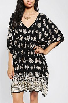 Cover Up At The Beach In These 12 So-Chic Caftans #Refinery29