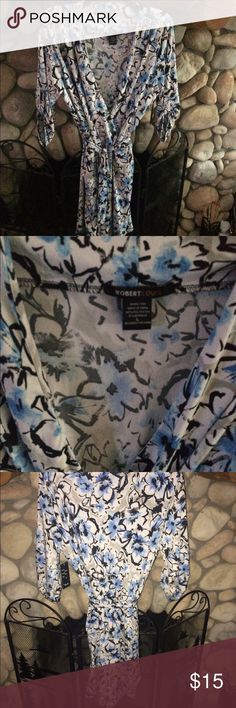🌻 SOFT COMFY FLORAL PATTERN ROMPER! KNIT ROMPER. SUPER SOFT MATERIAL. CUTE PATTERN WITH 3/4 ROLL TAB SLEEVES. BLACK, BLUE, WHITE FLORAL PATTERN. RE-POSH . 🌺 FIT SIZE 12-14 BEST. SEEMS NEW BUT NO TAG Robert Louis Pants Jumpsuits & Rompers