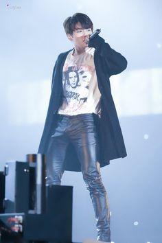 He rocks leather pants xd