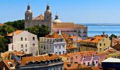 Top 7 des choses à faire à Lisbonne | Via Skyscanner.FR | 30/06/2015 Avec l'océan Atlantique en toile de fond, des édifices en pierre de taille délabrés et des toits en terre cuite, Lisbonne est une ville indéniablement attachante. La capitale du Portugal est l'une des plus vieilles villes de l'Europe de l'Ouest. Vous pourrez découvrir sa passionnante histoire découvrir en visitant les nombreux monuments historiques, les églises richement décorées et les nombreux musées de la ville #Portugal