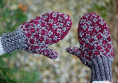 Ravelry: Fractured Fairy Tale Mittens pattern by Mary Annarella
