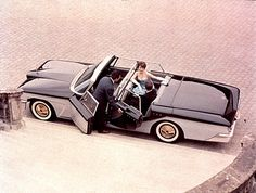 Brooks Stevens - Scimitar town car