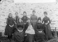 teachers, Llanbryn-mair school (1898)