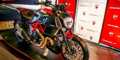 Ducati Diavel 2015 at VN officially sold more than 28 200 U.S. dollars