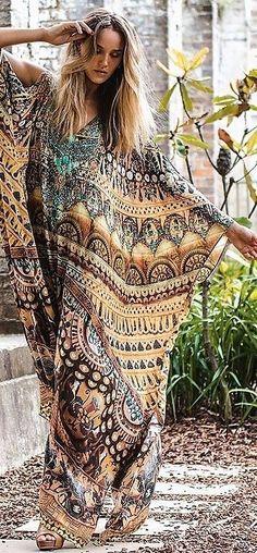 Boho freedom in fabulous caftan Hippie Style, Hippie Boho, Mode Hippie, Bohemian Mode, Bohemian Lifestyle, Gypsy Style, Boho Gypsy, Bohemian Style, Boho Chic