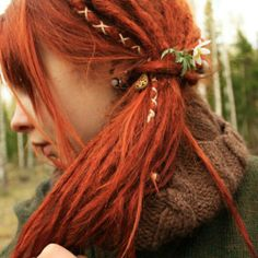 """LOVE these! I need to order a bunch of """"Sweet Red"""" #red #kanekalon #hair fiber & make a set of these micro- #dreads. #microdreads .. I found this photo just by googling """"#women with #dreads"""""""
