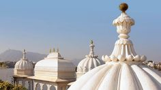 Stunning and Most Romantic Taj Lake Palace Hotel in Udaipur, India