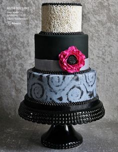 3 tier wedding cake — Round Wedding Cakes