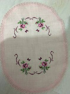 Cross Stitch Heart, Cross Stitch Flowers, Cross Stitch Patterns, Cross Stitch Christmas Ornaments, Bargello, Embroidery, Vintage, Design, Lace Table Runners