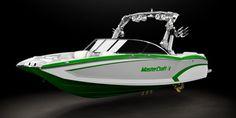 Wakeboarding & Waterskiing Boats | MasterCraft