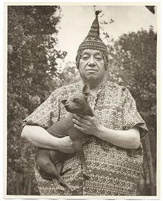 badassmexicans: Diego Rivera con sus xoloitzquintles BAM