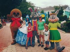 #Wish family hanging out with their favorite #GKTW characters! www.gktw.org
