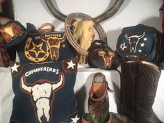 Comancheros western shop! Top quality leather saddlebags , chaps , chinks , and more!