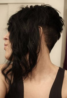 undercut / asymmetry