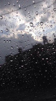 Photography paysage fall Ideas for 2019 Rainy Day Photography, Rain Photography, Amazing Photography, Rainy Mood, Rainy Night, Tumblr Wallpaper, Wallpaper Backgrounds, Tumblr Rain, Rain Wallpapers