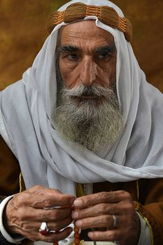 Middle Eastern people Old Arabic man portrait with traditional clothes stock photo Face Reference, Photo Reference, Old Man Face, Old Faces, Arab Men, Face Expressions, Interesting Faces, Stock Foto, Portrait Inspiration