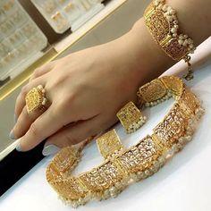 Ali Baba Selani Gold and diamond suppliers Dubai. Gold Bangles Design, Gold Earrings Designs, Gold Jewellery Design, Gold Wedding Jewelry, Gold Jewelry, Jewelry Sets, Gold Necklace, Antique Jewellery Designs, Silver Jewellery Indian