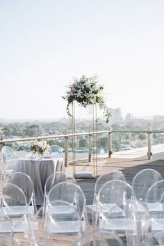 Rooftop Wedding Ceremony With Ghost Chairs Church Wedding Flowers, Wedding Ceremony Decorations, Flower Bouquet Wedding, Ghost Chair Wedding, Perfect Wedding, Dream Wedding, Wedding List, Wedding Summer, Ghost Chairs