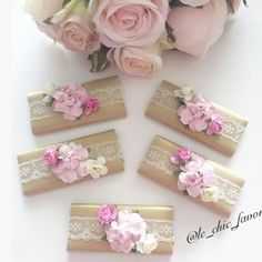 Gorgeous paper rose wedding favours by Le_chic_favors! Chocolate Wrapping, Chocolate Favors, Chocolate Decorations, Chocolate Gifts, Wedding Gifts India, Paper Crafts Magazine, Handmade Envelopes, Envelope Design, Paper Roses