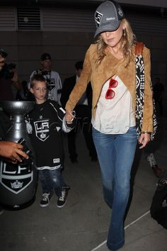 Kate Hudson wore a Charlotte Ronson jacket to the Los Angeles Kings Game on June 6th!