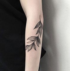 Tatuaże na rękę, fot. instagram.com/modernskin