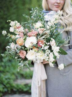 How To Make Your Wedding Flowers Last | Svetlana Strizhakova | Sweet William Wedding | Bridal Musings Wedding Blog