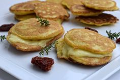 Unheimlich leckerer und einfache Low Carb Pancakes. Klickt hier um zu sehen was sie so besonders machen.