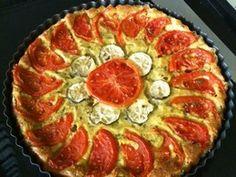 Cuketový koláč s bylinkami a paradajkami