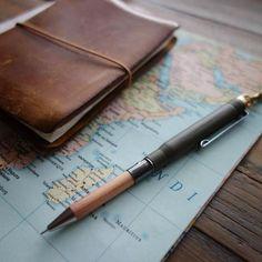 Traveler's Notebook / Olive Ballpoint Pen
