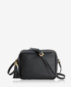 Compact size and go-to ease make this bag an everyday essential, in classic colors for a timeless wardrobe addition. Gigi New York Black Crossbody, Leather Crossbody Bag, Leather Handbags, Leather Bag, Pebbled Leather, Leather Backpack, Minimalist Bag, Designer Crossbody Bags, Great Teacher Gifts